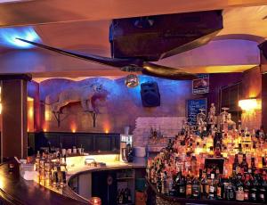 Masters Home Bar